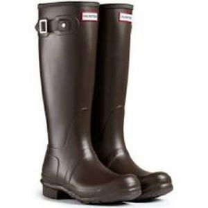 HUNTER RAIN BOOTS W/ BOOT LINERS!!!